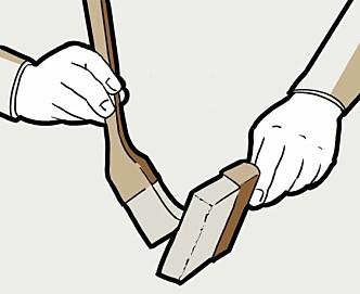 <strong>TA TO:</strong> Bruk en ekstra pensel for å holde påføringspenselen ren. Renner malingen inn mot roten kan du skyve den ut mot tuppen med rengjøringspenselen. Illustrasjon: Øivind Lie-Jacobsen
