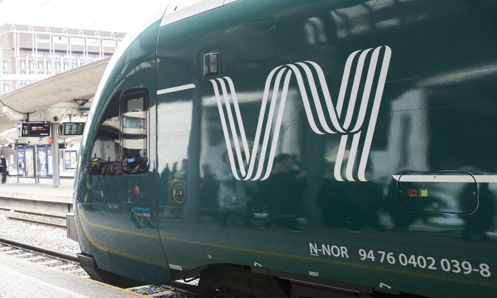 TOGTRØBBEL: Det er store problemer i togtrafikken på Østlandet etter nattens uvær. Foto: Vy