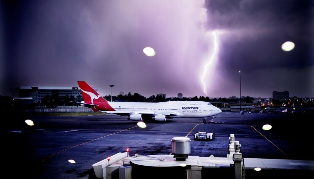 Ja, flyet kan bli truffet, men er det farlig?