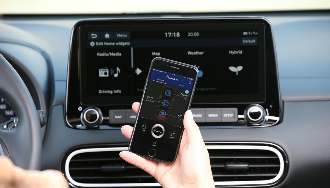 <strong>STØRRE:</strong> Berøringsskjermen har økt fra 8 til 10,25 tommer widescreen og tilbyr en rekke live-tjenester. Foto: Hyundai