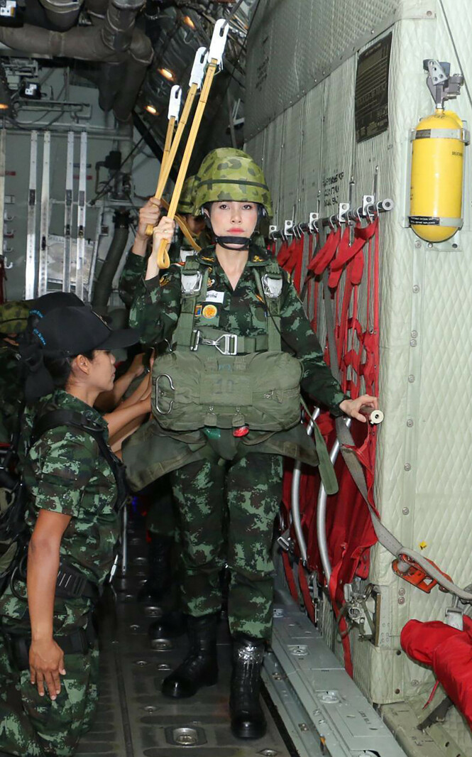 MILITÆRUTDANNING: Wongvajirabhakdi har tittelen major fra sin tid i det thailandske forsvaret. Foto: NTB Scanpix