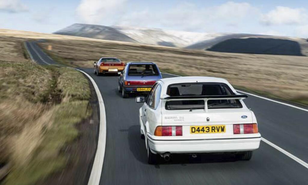 VINGER TIL Å FLY UTOVER ENGENE. Sierra Cosworth fikk tilnavnet «Vingebil». Grunnen er åpenlys. Foto: Luc Lacy