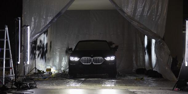 image: Presenterer verdens svarteste bil!