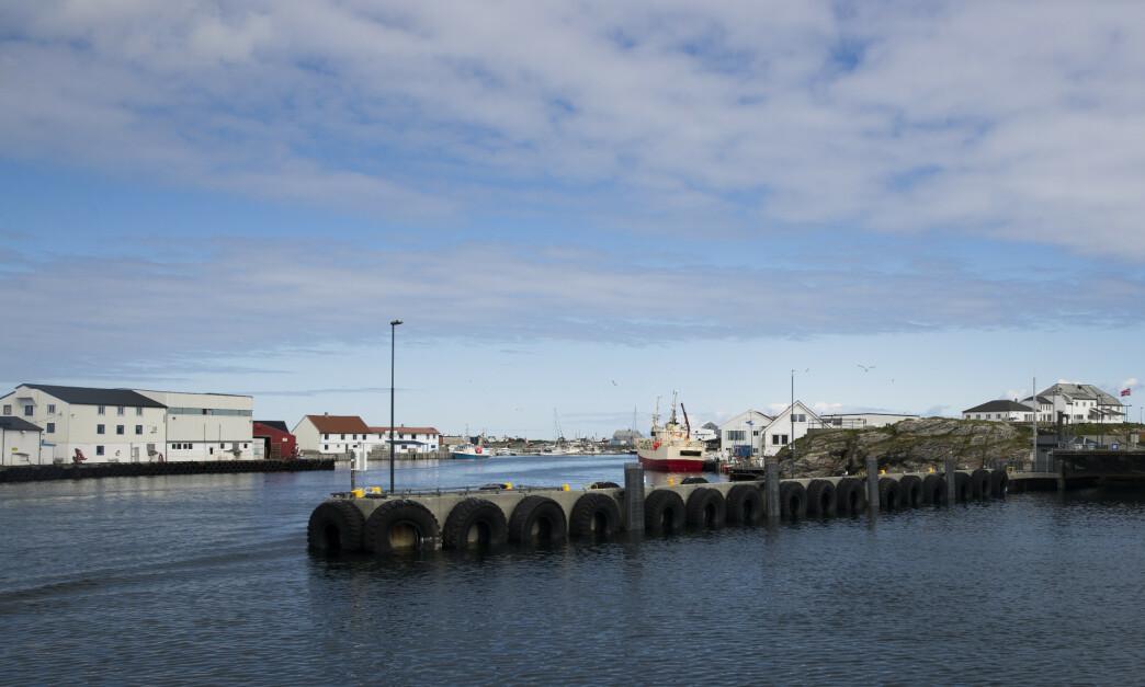 <strong>KLIKKER MEST HJEM:</strong> Røst kommune i Nordland ligger på norgestoppen i netthandel første halvdel av 2019. Her brukte innbyggerne hele 120 prosent mer penger på netthandel enn det som er gjennomsnittet for hele landet. Foto: Berit Roald/NTB Scanpix.
