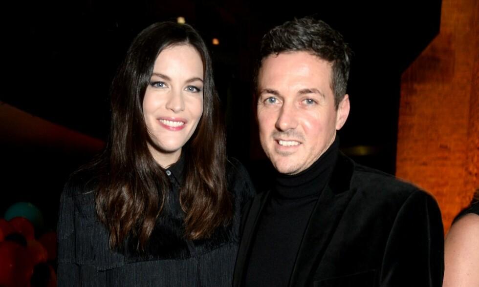 FORNØYDE MED TILVÆRELSEN: Liv Tyler og forloveden David Garner stresser ikke med bryllup. Foto: NTB Scanpix