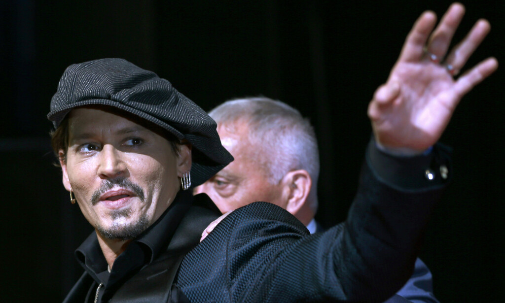 FRONTER KAMPANJE: Superstjerna Johnny Depp. Foto: AP Photo/Shizuo Kambayashi