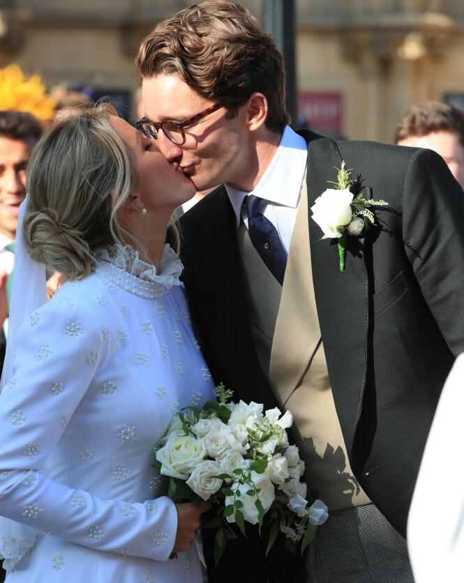 <strong>MANN OG KONE:</strong> Ellie Golding og hennes ferske ektemannen ga hverandre sine ja foran en rekke celebriteter. Foto: NTB Scanpix