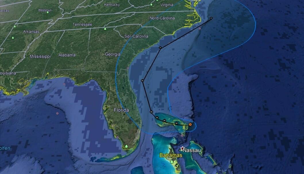 <strong>BANE:</strong> Her forventer meteorologene at Dorian vil bevege seg. Foto: Google Earth / National Hurricane Center / NOAA