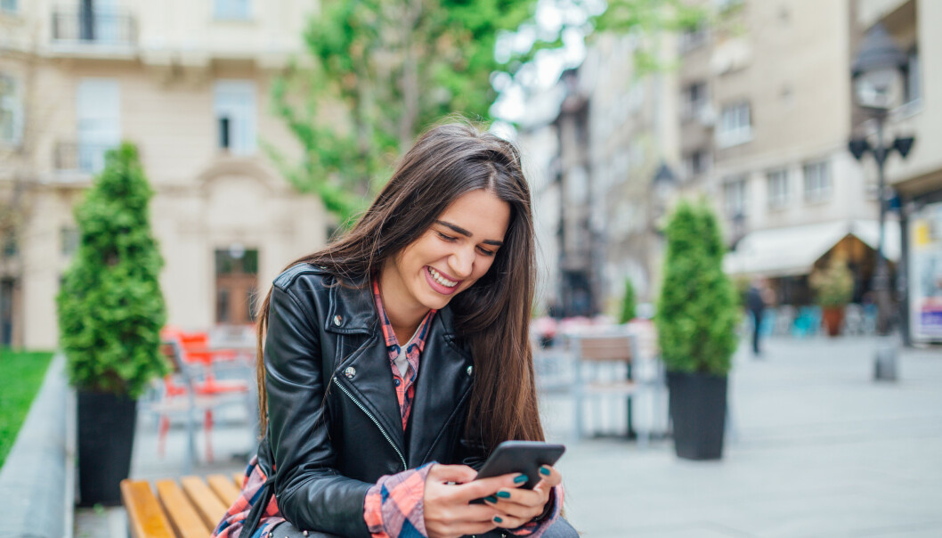 AVHENGIGHETSSKAPENDE: For noen kan Tinder bli avhengighetsskapende, og gjøre det vanskelig å inngå et forhold. For tenk om det dukker opp noen enda bedre?