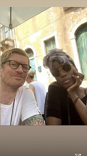 KLARE FOR FEIRING: Tinashe og Odd-Magnus Williamson. Foto: Instagram / Skjermdump