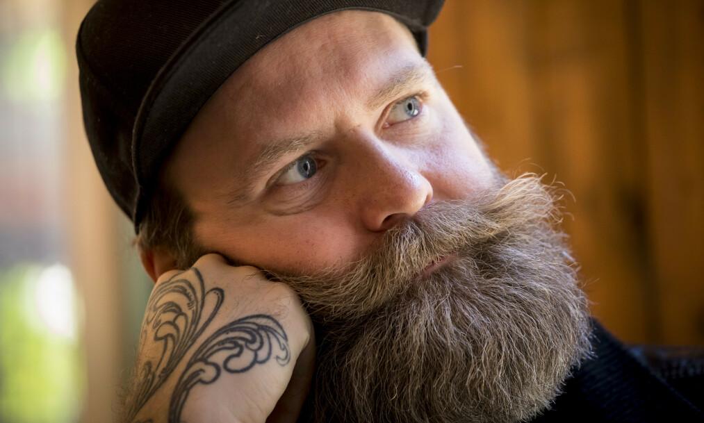 ÅPENHJERTIG: Adam Schjølberg forteller om en episode han - fram til bokslippet, har holdt fullstendig for seg selv. Foto: Tor Lindseth