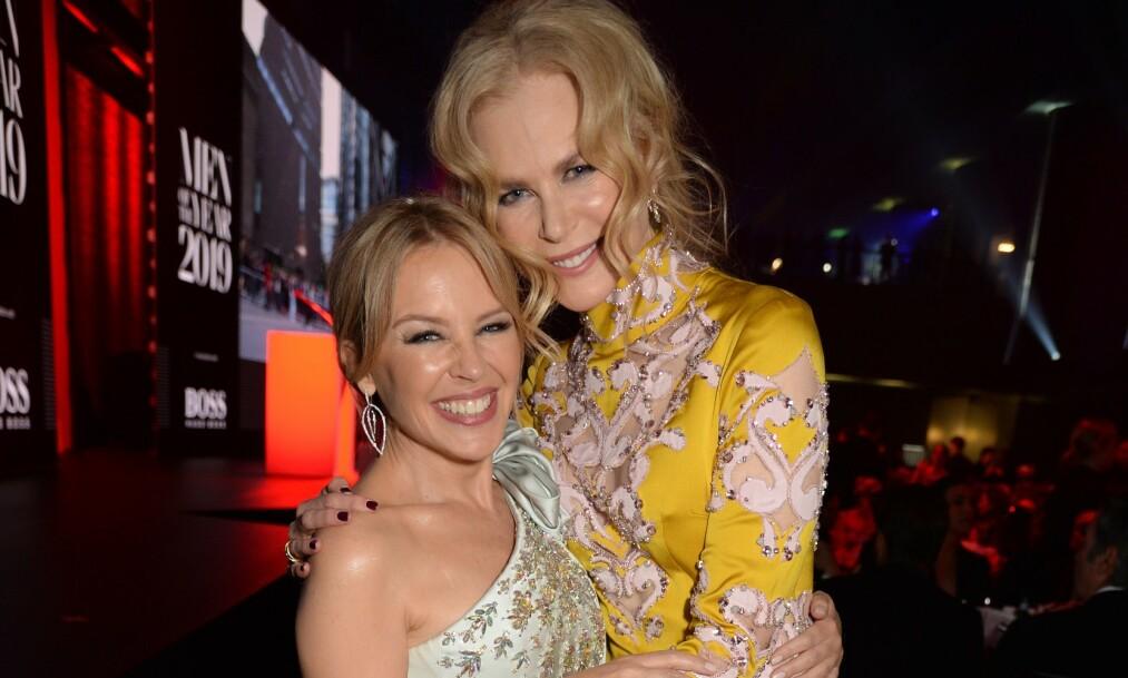 ENDELIG FOTOGRAFERT SAMMEN: De nye bildene av Kylie Minogue og Nicole Kidman får fansen til å juble. Foto: NTB Scanpix