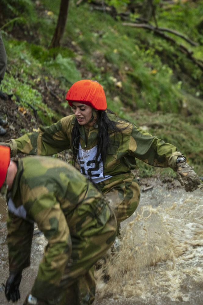 KREVENDE: Deltakerne skal gjennom flere tøffe utfordringer, før det til slutt vil stå igjen fire rekrutter som skal få delta i det ultimate oppdraget med «Kompani Lauritzen». Foto: Matti Bernitz / TV 2
