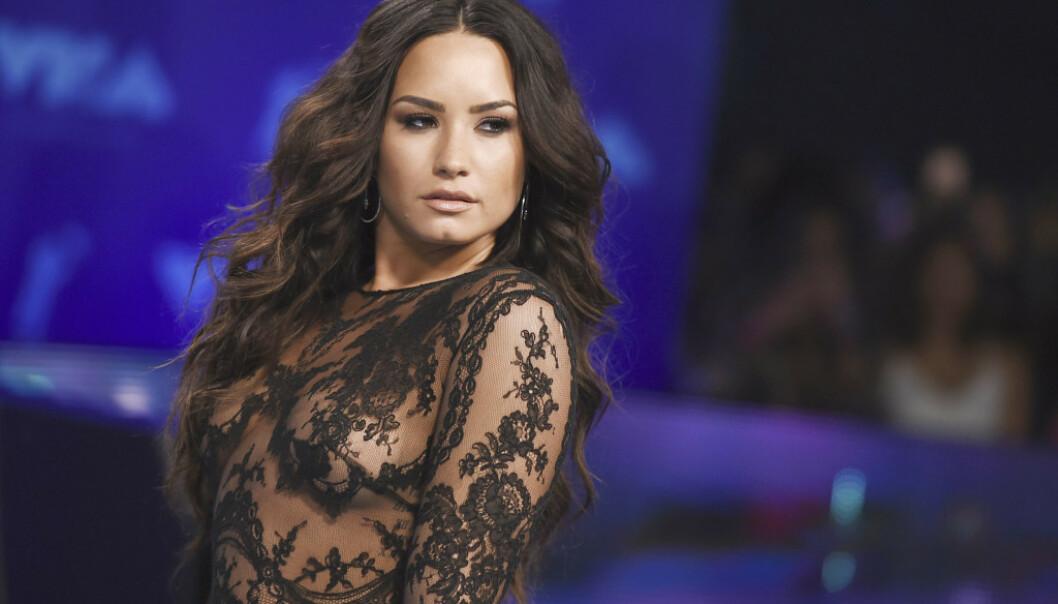 BRUKER STEMMEN: Den 27 år gamle sangeren og skuespilleren har ved flere anledninger bevist at hun ikke er redd for å bruke stemmen sin. FOTO: NTB Scanpix