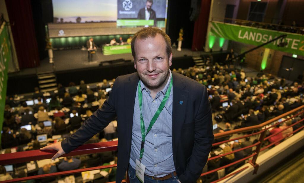 11 AV 19: Senterpartiet og ordfører Asbjørn Birkeland fra Sauda får 11 av 19 representanter i kommunestyret. Her er Birkeland på landsmøtet på Hamar. Foto: Terje Pedersen, NTB Scanpix