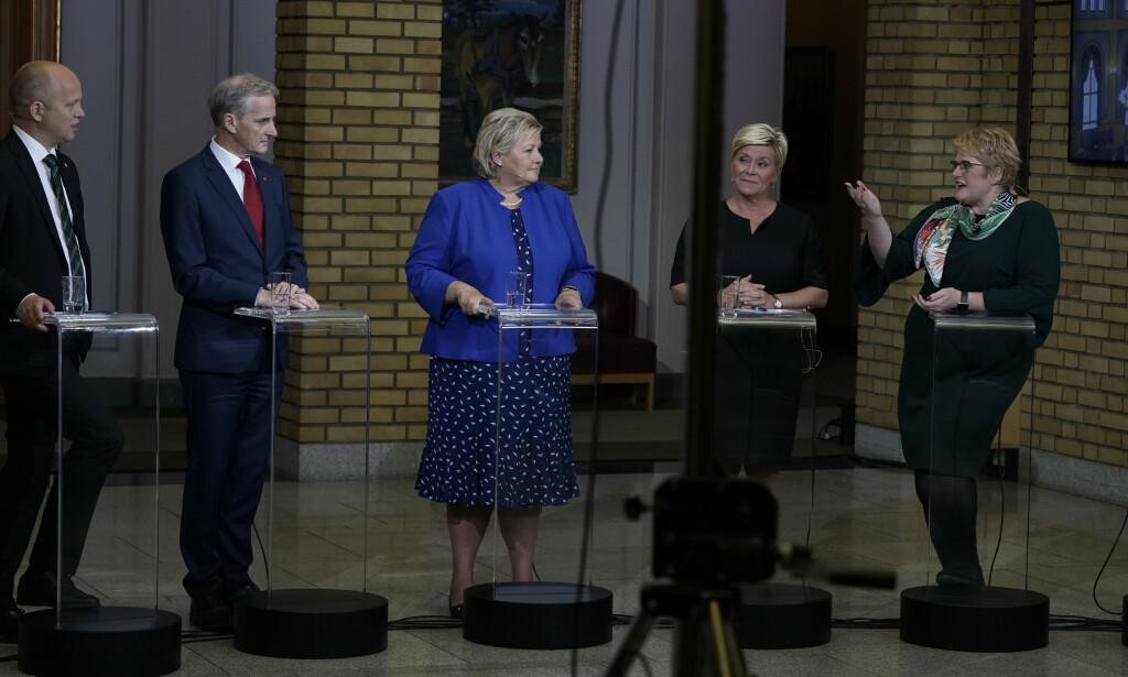 DEBATT I NATT: Partilederne møttes i natt til en oppsummering av valget i Vandrehallen på Stortinget. Foto: Hans Arne Vedlog