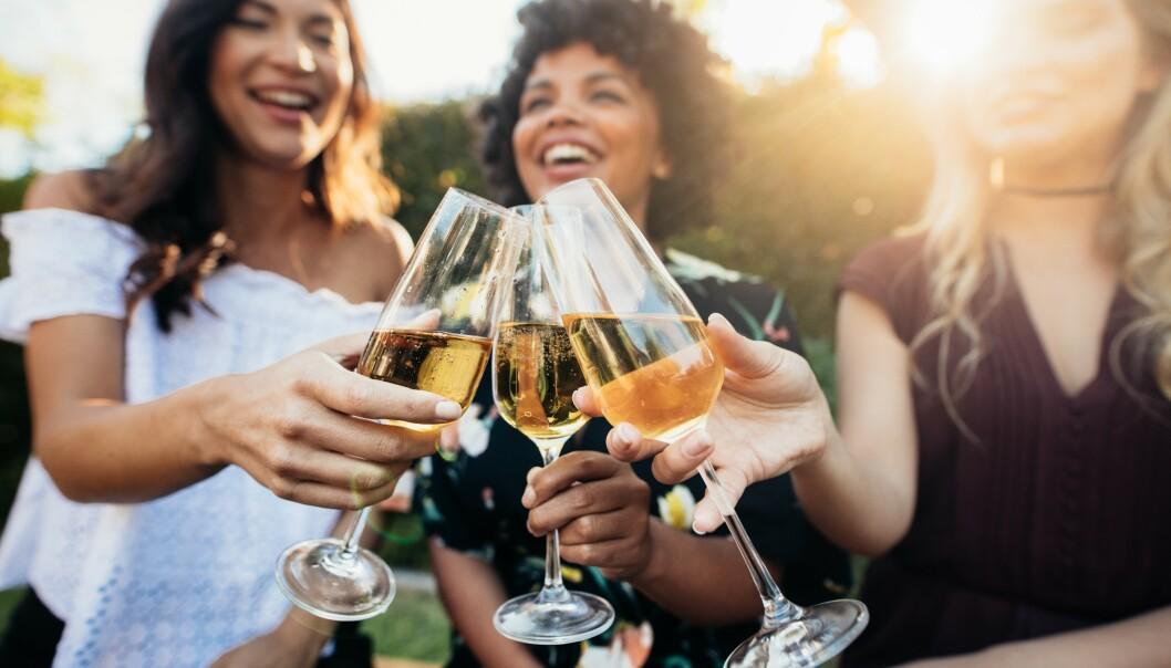 ALTERNATIVET: Musserende Crémant er laget etter champagnemetoden, og er blitt et fint alternativ når budsjettet ikke strekker helt til Champagne. <br>Foto: Shutterstock / NTB Scanpix
