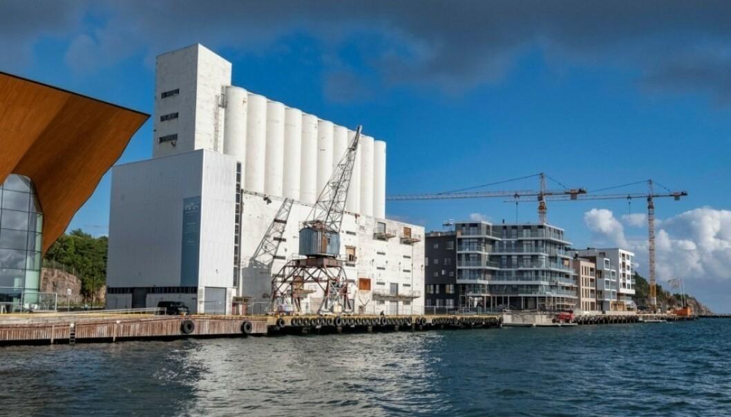 STERKE FØLELSER: Debatten har rast om Kristiansand skal bruke skattepenger på å gjøre denne siloen til et kunstmuseum. Foto: Tor Erik Schrøder / NTB scanpix