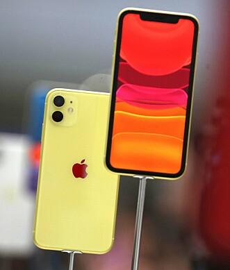 <strong>FRA ETT TIL TO:</strong> Apples standard-iPhone har nå to kameraer på baksiden. Foto: Justin Sullivan/AFP/NTB Scanpix