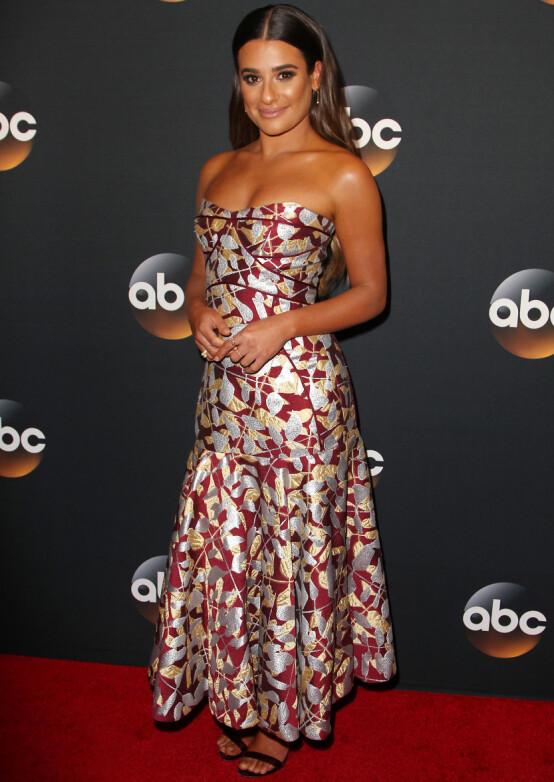 <strong>SUKSESS:</strong> Til tross for at hun har jobbet siden hun var bare åtte år gammel, fikk amerikanske Lea Michele fikk sitt store gjennombrudd som Rachel Berry i musikalserien «Glee». Her er hun avbildet i 2017. Foto: NTB Scanpix
