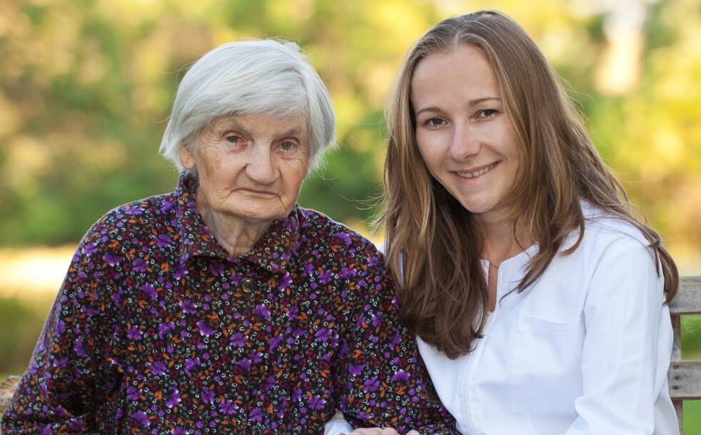 ER YNGRE LEGER FLINKERE? Er yngre leger flinkere til å behandle demens? Foto: Ocskay Bence/Shutterstock/NTB scanpix.