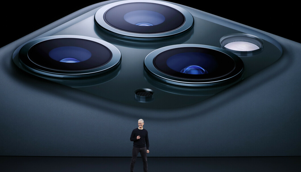 <strong>LANSERINGEN:</strong> Apple-sjef Tim Cook lanserer iPhone 11 Pro 10. september 2019. Foto: REUTERS/Stephen Lam