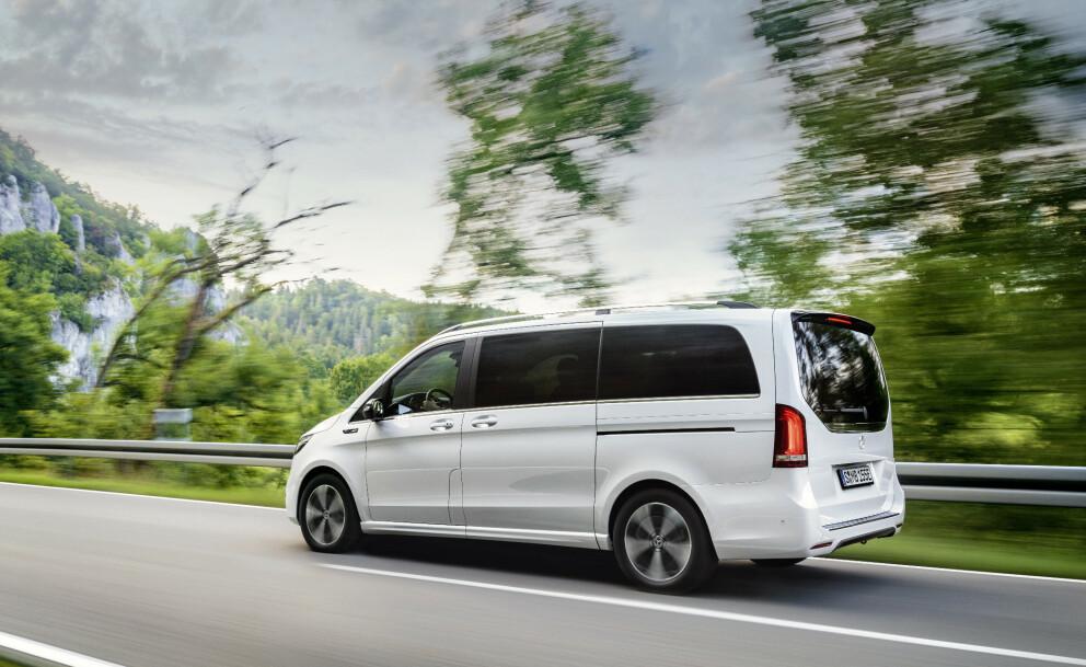 STØTTE: Nær 2400 el-varebiler har mottatt kjøpsstøtte fra Enova. Foto: Daimler