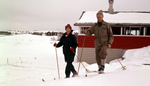 <strong>FRILUFTSFOLK:</strong> Werna og Einar Gerhardsen på skitur. Foto: Billedsentralen / Aktuell / Scanpix
