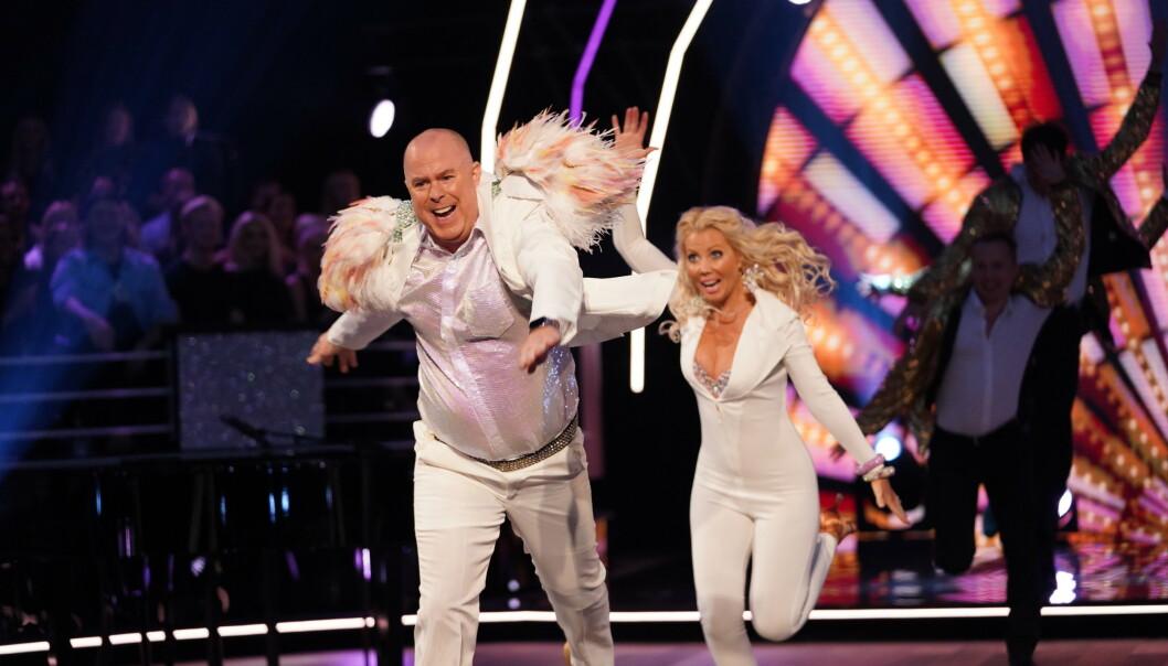 <strong>ELTON JOHN:</strong> Jan Tore og hans partner Tone fikk skryt for innlevelsen i sin dans. - Du er en ordentlig showmann, sa dommer Egor. Foto: Espen Solli / TV 2