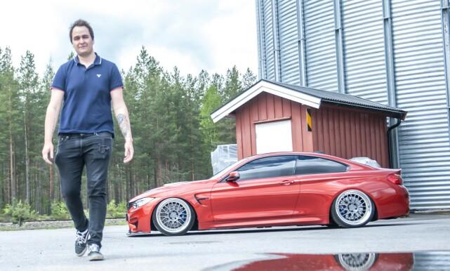 FORNØYD: - Jeg er kjempefornøyd med det! Bilen er helt magisk å kjøre, sier Henrik Nøstdal. Foto: Kaj Alver