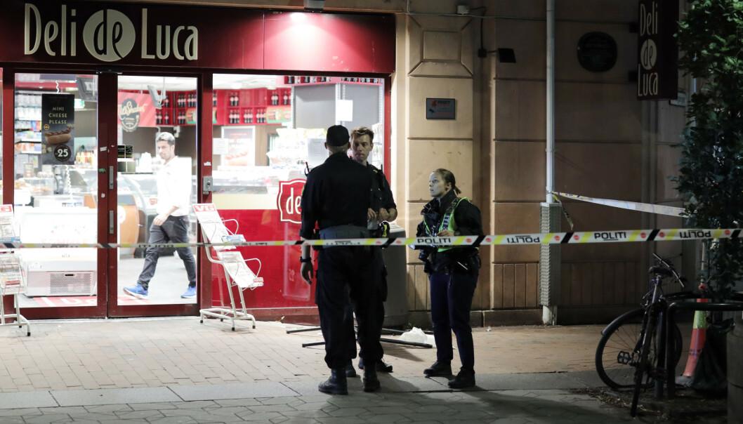 En mann i slutten av 20-årene er sendt til sykehus etter å ha blitt stukket med en knivlignende gjenstand på Grønland i Oslo. Foto: Ørn E. Borgen / NTB scanpix