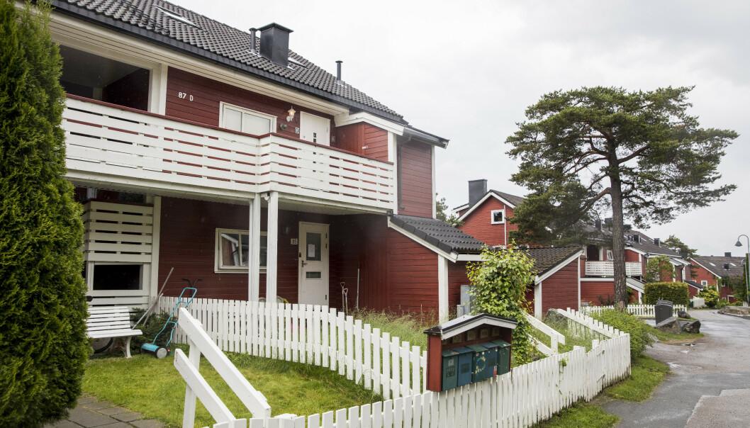 Den 54 år gamle mannen ble funnet død av familiemedlemmer i en leilighet i andre etasje på Hellerud. Foto: Tore Meek / NTB scanpix
