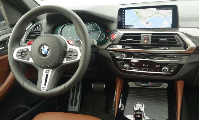 TYPISK BMW: Nok detaljer til at du føler du har betalt for noe ekstra. Foto: Rune M. Nesheim