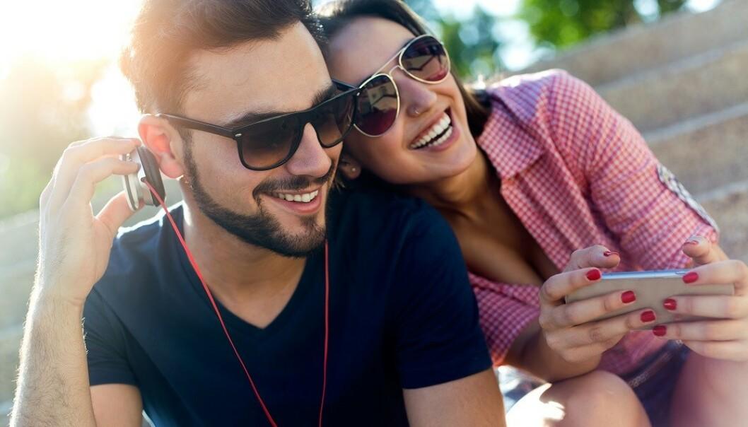 GODE MINNER: Hukommelsen vår er nært knyttet til følelser, så noen sanger kan vekke gode minner. FOTO: Shutterstock