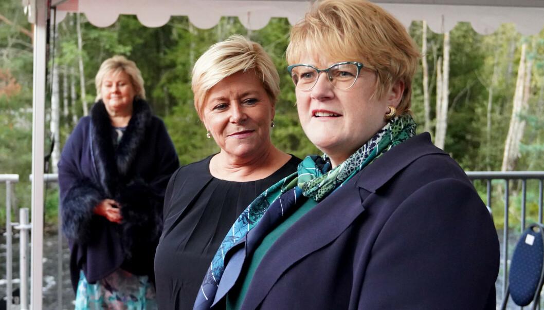 Kulturminister Trine Skei Grande (V), finansminister Siv Jensen (Frp) og statsminister Erna Solberg (H) under åpningen av Kistefos nye museumsbygg «The Twist». Foto: Fredrik Hagen / NTB scanpix