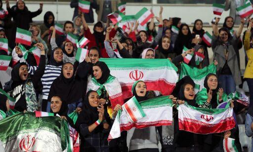 image: Minister: Iranske kvinner skal få se fotballkamper