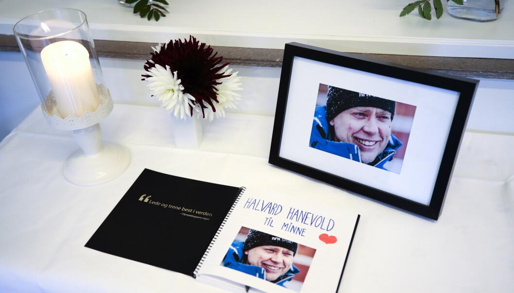 Kondolanseprotokollen for skiskytter Halvard Hanevold på Olympiatoppen i Oslo. Foto: Lise Åserud / NTB scanpix