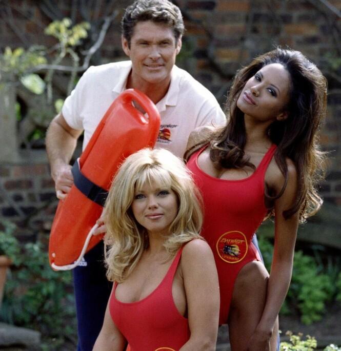BAYWATCH: Her er Donna avbildet med David Hasselhoff og Traci Bingham. Foto: NTB Scanpix