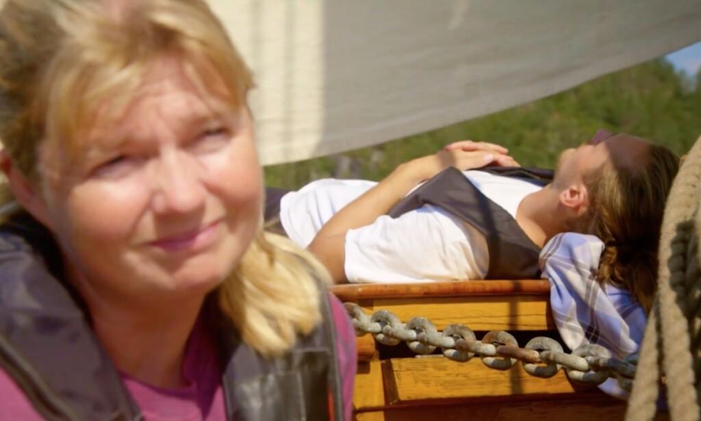 Eh, spoiler warning much? Litt tidlig å avsløre i FØRSTE episode at Kristian får en viking-begravelse til sjøs? Foto: TV2