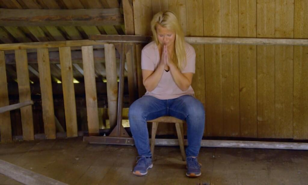 «Kom igjen, lysvesener, la oss hjelpe a Vibecke med å vinne en hytte uten tomt og en Toyota Corolla, vår evige frelse avhenger av det!» Foto: TV2