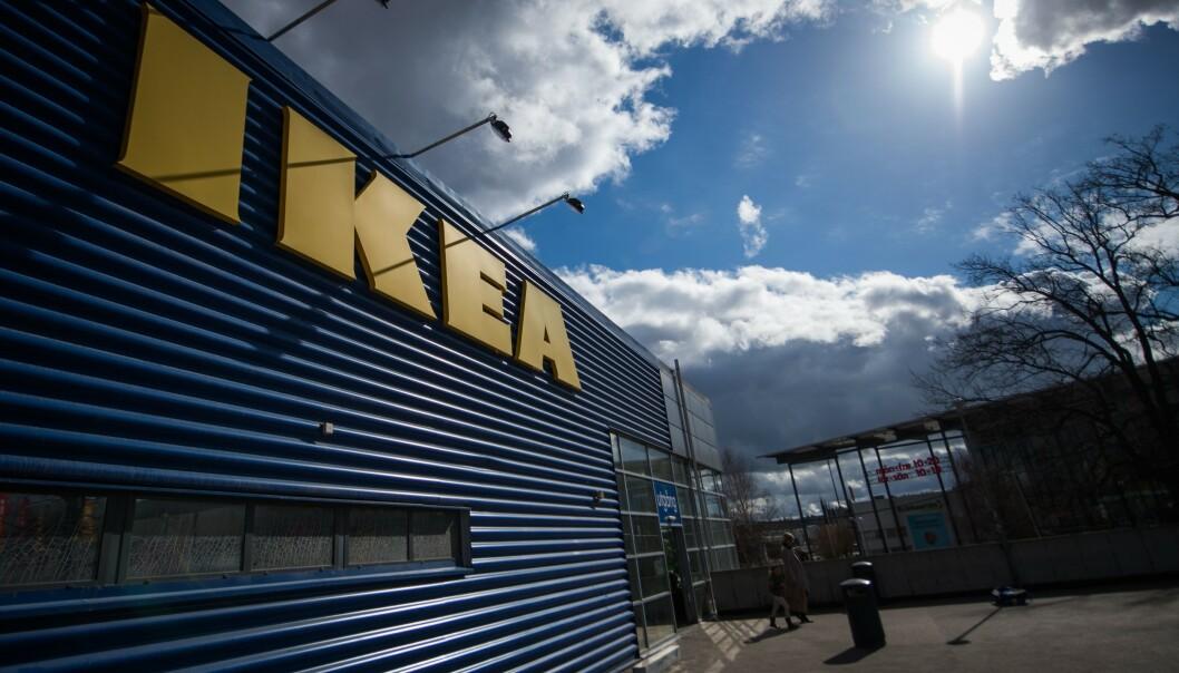 """<strong>FRAKTPRISER:</strong> Skal du bestille varer fra Ikeas nettbutikk, bør du sjekke fraktprisene før du trykker """"kjøp"""". Her fra Ikea i Stockholm. Foto: NTB Scanpix"""