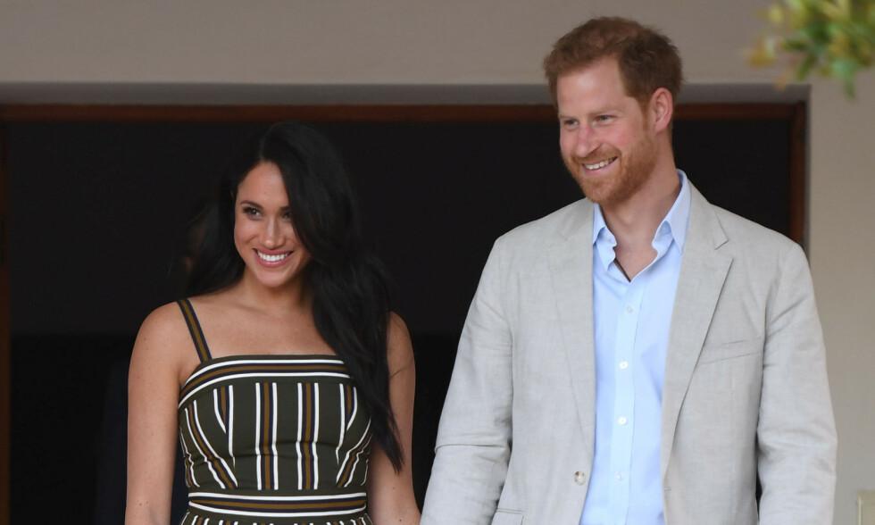 PÅ TUR: Hertuginne Meghan og prins Harry er for tiden på offisiell reise til en rekke land i Afrika. Det er ingen tvil om at det har blitt tatt en rekke forholdsregler i forkant av turen. Foto: NTB Scanpix