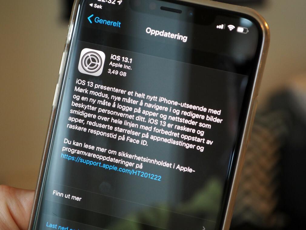 OPPDATÉR NÅ: Apple har allerede fikset problemene med den første versjonen av iOS 13. Foto: Kirsti Østvang