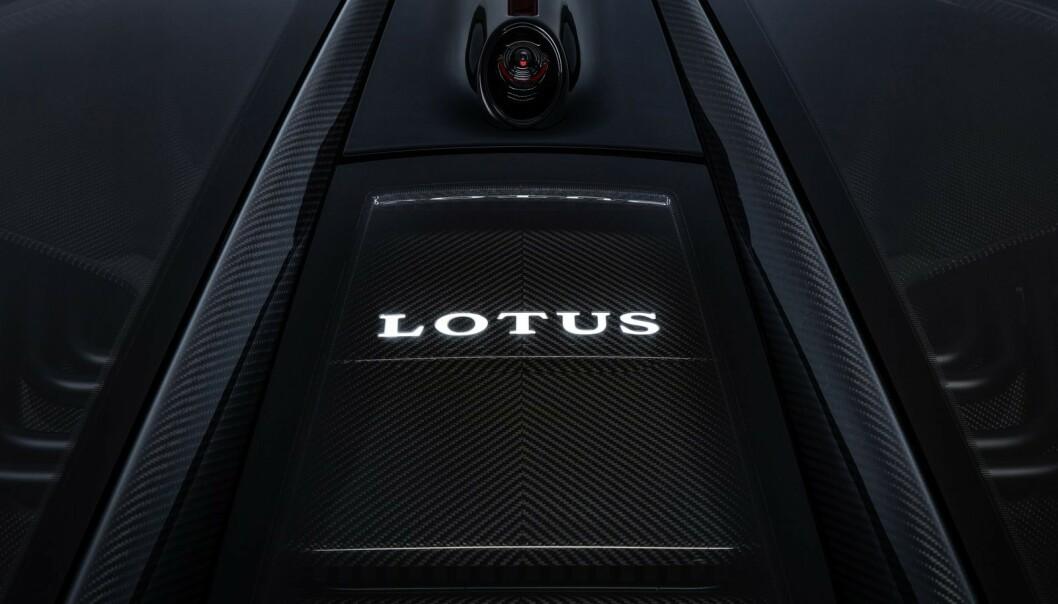 <strong>STRØM-KRUTT:</strong> Batteripakka på 2000 kW sitter bak setene. Foto: Lotus