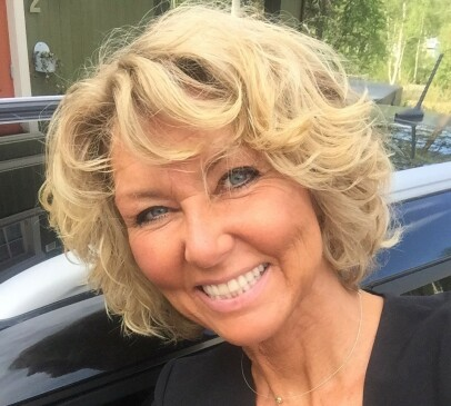 SENTRALSTYREMEDLEM: Hanne Alstrup Velure (56), er landsmøtevalgt sentralstyremedlem for Høyre fra Oppland. Hun er vararepresentant til Stortinget, leder av Utmarkskommunenes Sammenslutning og formannskapsmedlem i Lesja. Foto: Ann Wiseman Stavdal / Høyre