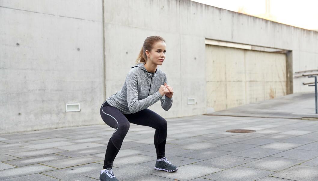 Knebøy, eller squats, kan redusere smerte ved skader og plager i knær og hofter. FOTO: NTB scanpix