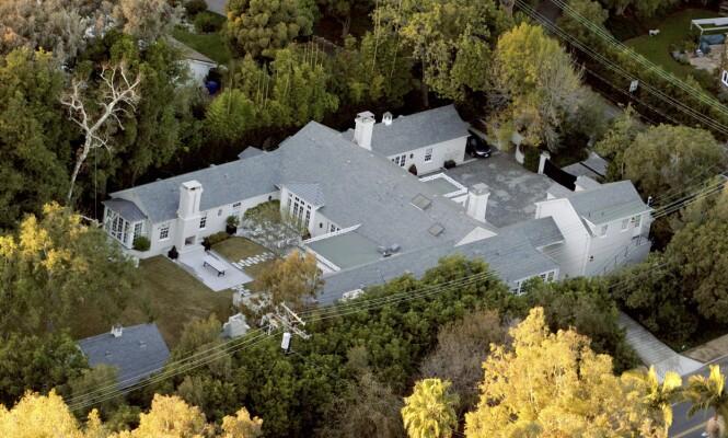 <strong>GOD PLASS:</strong> I disse dager ytter Brad Falchuk inn hos Gwyneth Paltrow i Los Angeles. Hun kjøpte huset sammen med eksen Chris Martin i 2012. Arnold Schwarzenegger er naboen. Foto: Splash News/ NTB scanpix