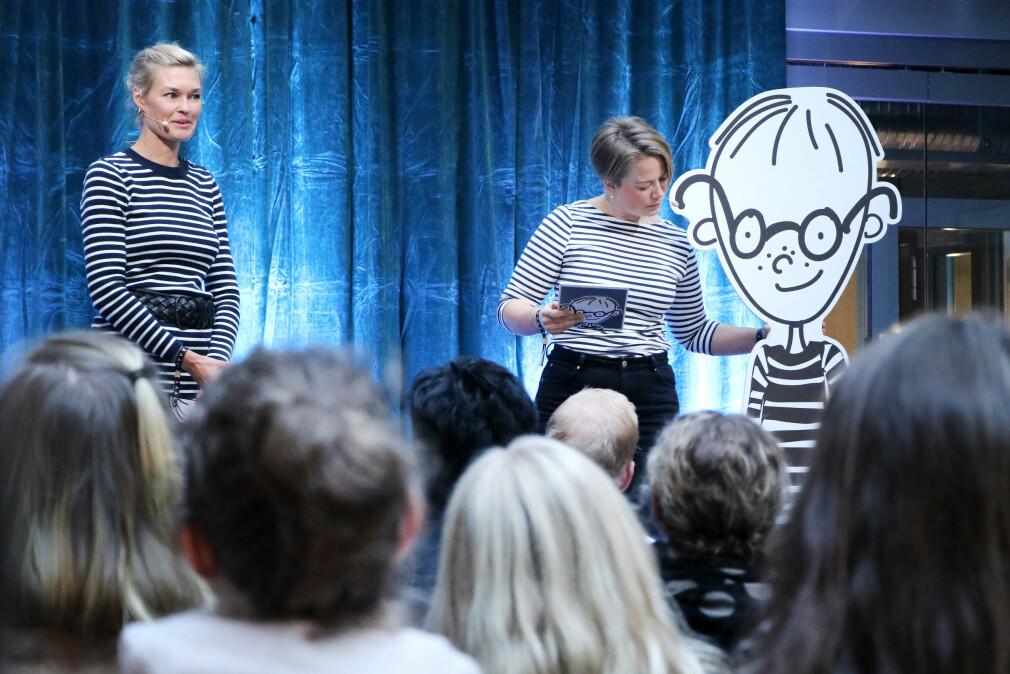 Kristin Juland Møller og Maren Volsdal Skirbekk i Oslo Origo, sammen med Tim. Kanskje dere også burde få dere en Tim? 📸: Ole Petter Baugerød Stokke