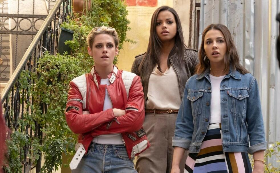 """NY ENGLEGJENG: Kristie Stewart, Ella Balinska og Naomi Scott er de nye englene til Charlie i """"Charlie's Angels""""-remaken som kommer i november. Foto: Filmweb"""