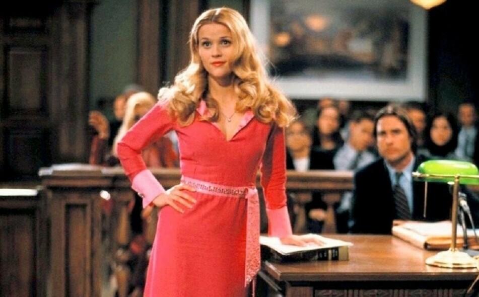 KJENT OG KJÆR: Reese Witherspoon mest ikoniske rolle så langt i karrieren må sies å være advokatspiren Elle Woods. FOTO: MGM Distribution Co.